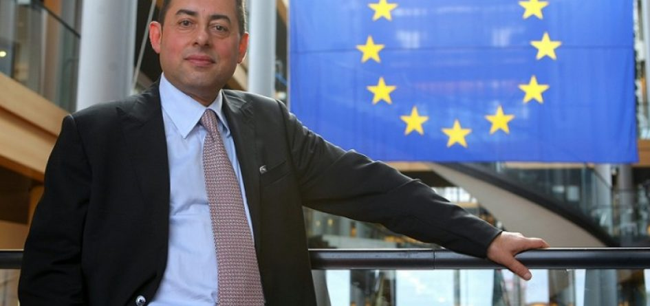 Gianni Pittella veut que Theresa May démissionne
